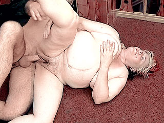 Chubby Mature Takes Pussy Ramming